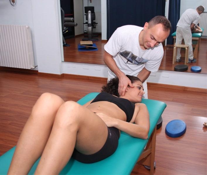 Manipulation,Hals,Wirbel,Funktionsbegrenzung,Entzündung,Schmerz,Symptome,Übel,Physiotherapie,Rehabilitation,Ödem